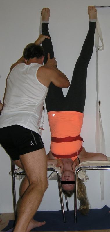 Sirsana - varianta stoje na hlavě pro jedince s bolestmi krční páteře